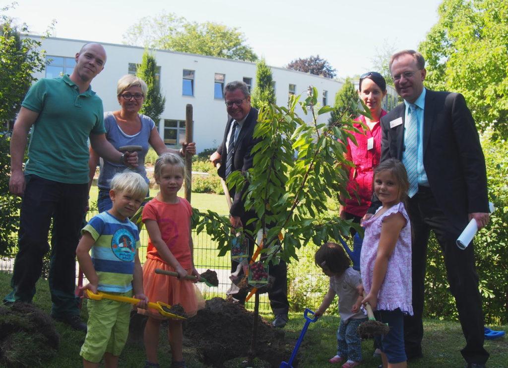 Bürgerstiftung EmscherLippe-Land pflanzt 18. Stiftungsbaum in der Emscher-Lippe-Region