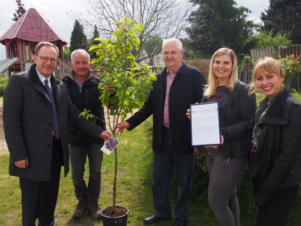 Bürgerstiftung EmscherLippe-Land pflanzt 20. Stiftungsbaum